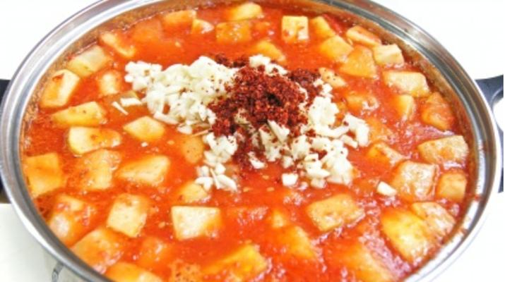 Кабачки, патиссоны в томатном соусе просто супер