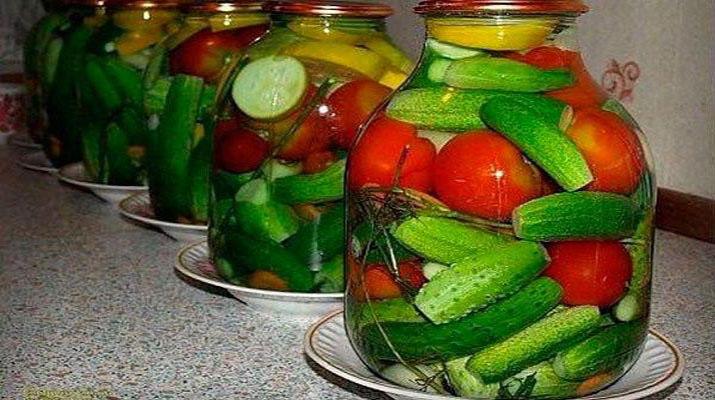 Ассорти из овощей с водкой